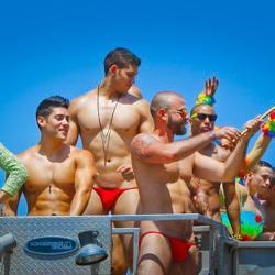los gay angeles in bathhouses